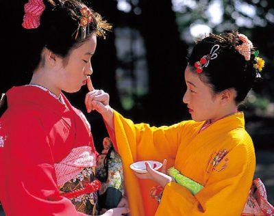 第1回【金賞】十五夜祭りの姉妹