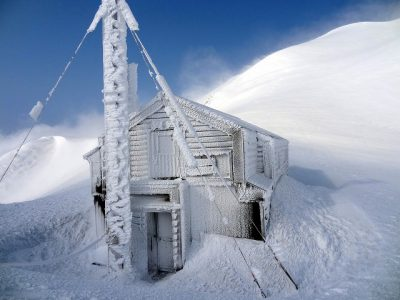 第10回【越南タイムズ賞】厳冬の駒の小屋