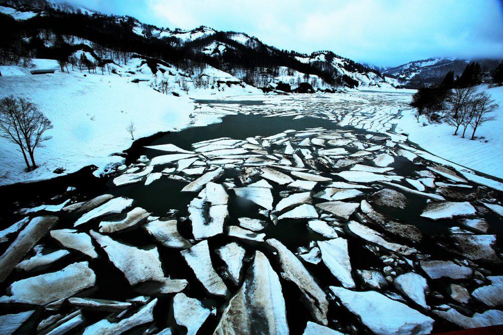第17回【ウィラヴ魚沼賞】破間川の雪流れ